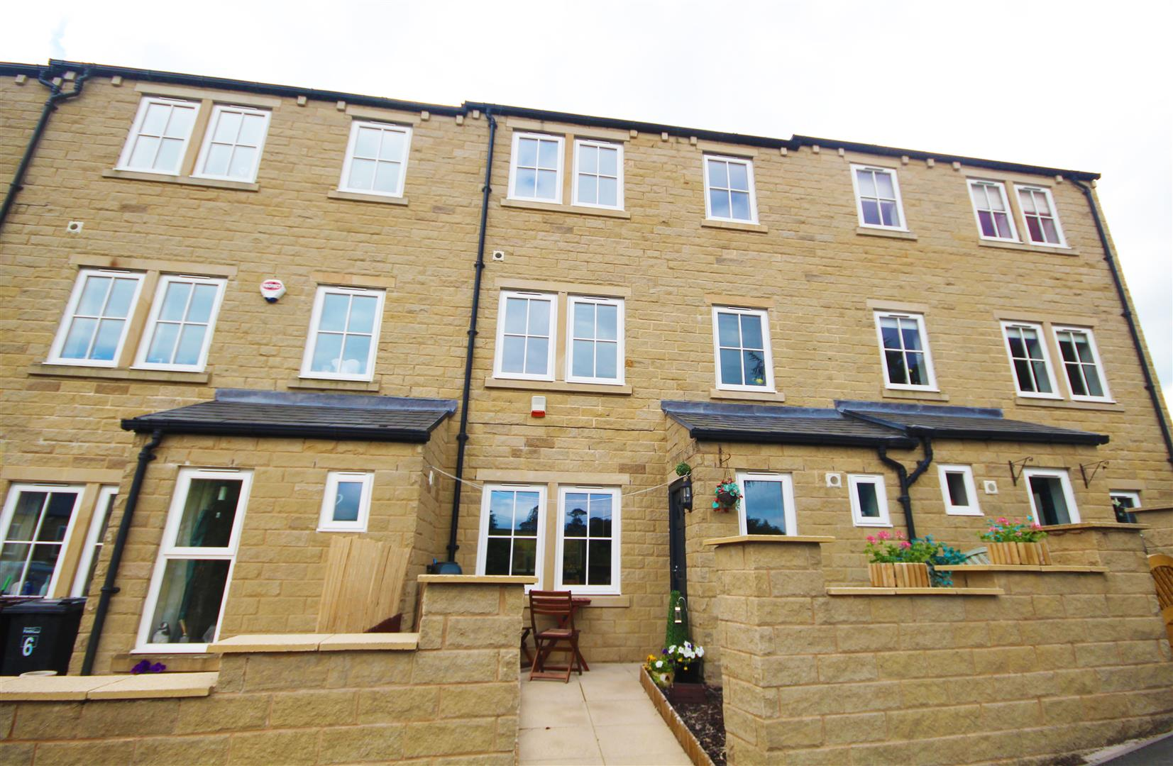 4 bedroom townhouse house For Sale in Trawden, Colne - Property photograph